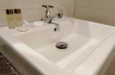 bath and dental kit